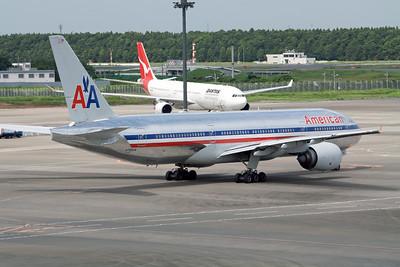 American Airlines Boeing 777-200 N756AM