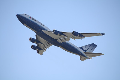 United Airlines Boeing 747-400 N107UA