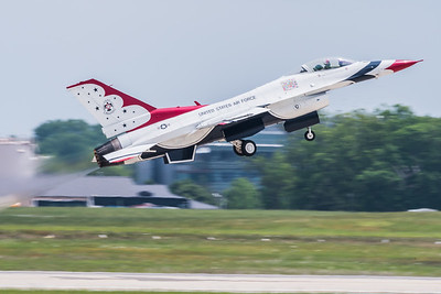USAF T-Bird Lead Solo takes off from Runway 1R-19L