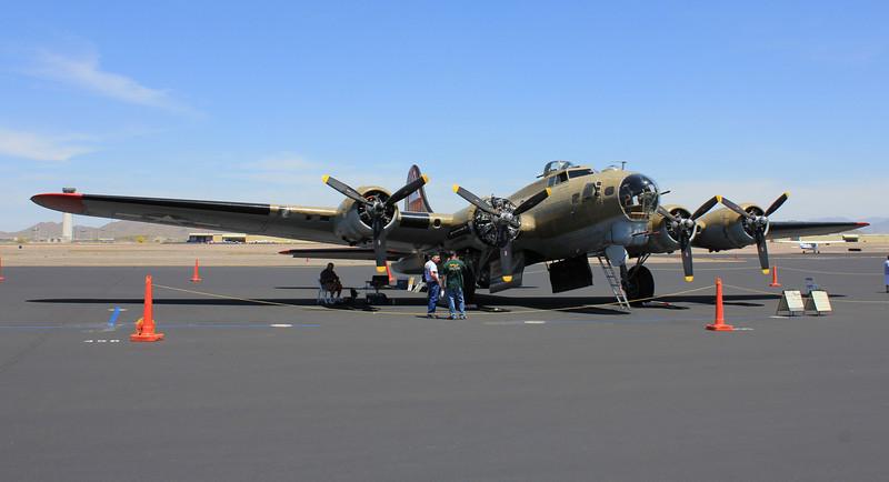 B-17G Flying Fortress Nine-O-Nine 1