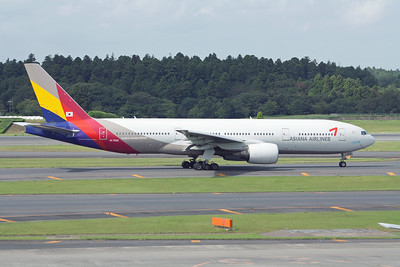 Asiana Airlines Boeing 777-200 HL-7500