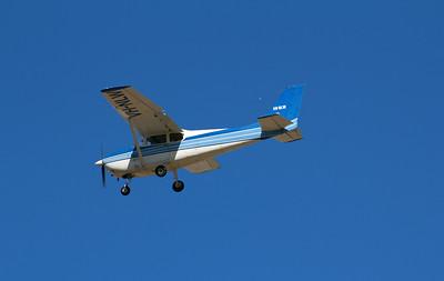 VH-NLW CESSNA-172