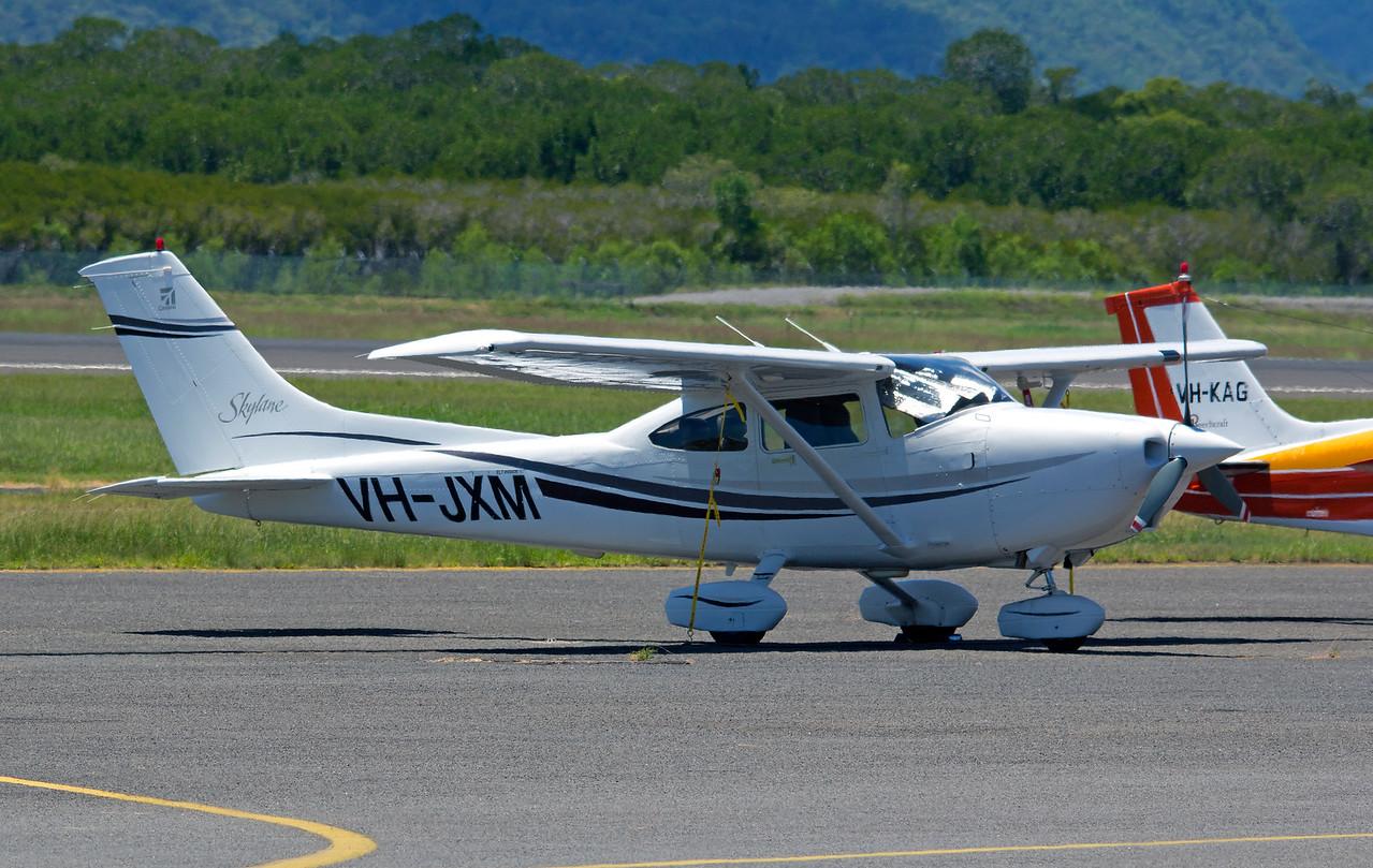VH-JXM CESSNA-182