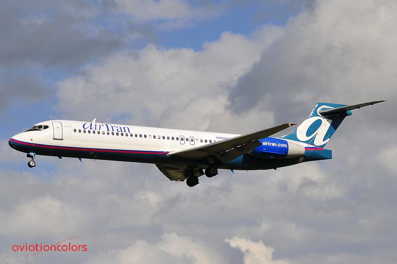N980AT - 2002 BOEING 717-200 - 9/27/2009.