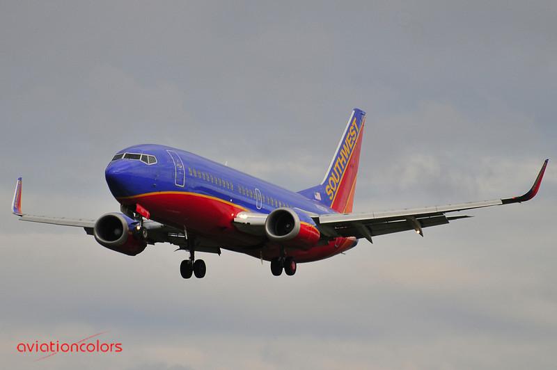 N628SW - 1996 BOEING 737-3H4 - 9/27/2009.