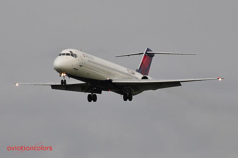 N677MC - 1977 MCDONNELL DOUGLAS DC-9-51 - 9/27/2009.