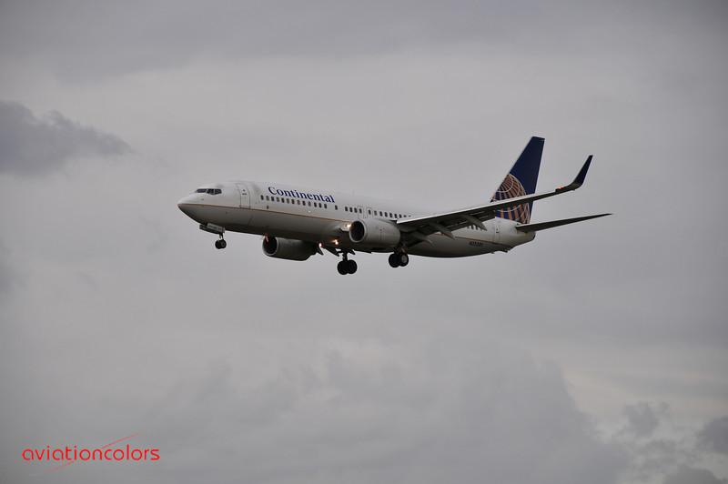 N33289 - 2004 BOEING 737-824 - 9/27/2009.