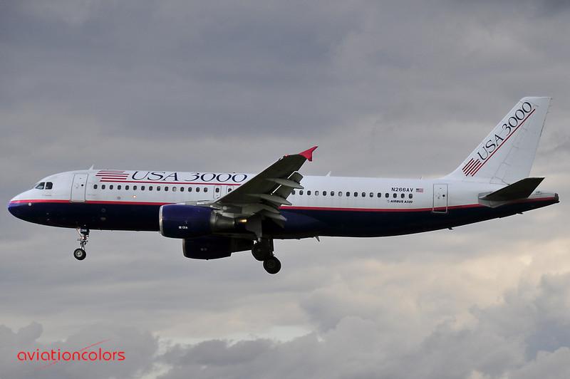 N266AV - 1999 AIRBUS INDUSTRIE A320-214 - KBWI - 9/27/2009.
