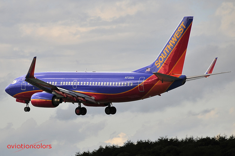 N736SA - 1999 BOEING 737-7H4 - 9/27/2009.