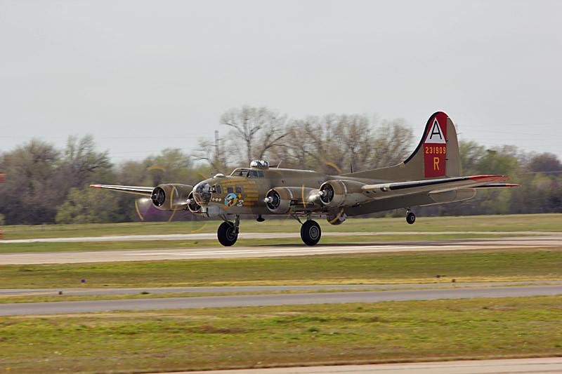 B-17 Nine-0-Nine