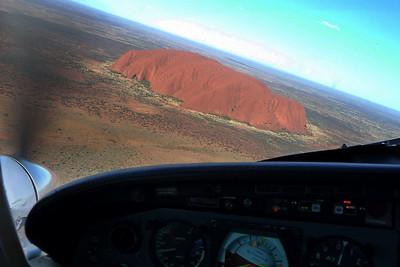 2009 PA31T Cheyenne II Ayers Rock / Uluru - Australia
