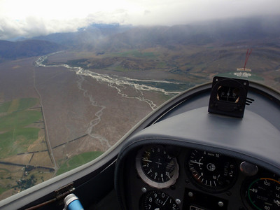 Glider flying in strong mountain waves in Omarama in New Zealand. Better than s..... (2010, Grob 103)