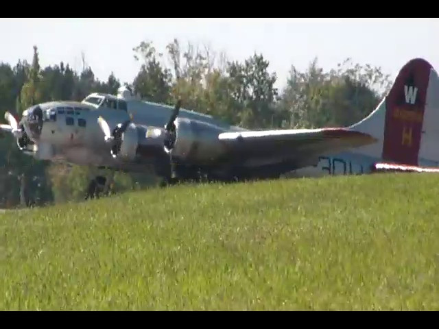 Another departure and landing of the B-17 (08:47)