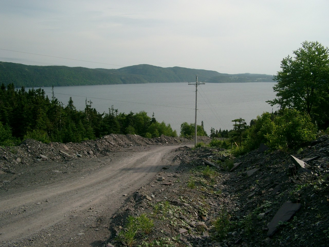 Road to slate mine and wreck