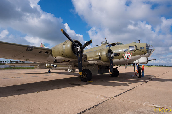 B17 Flight on The Thunderbird