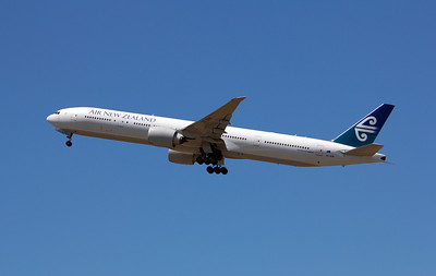 ZK-OKM AIR NEW ZEALAND B777-300