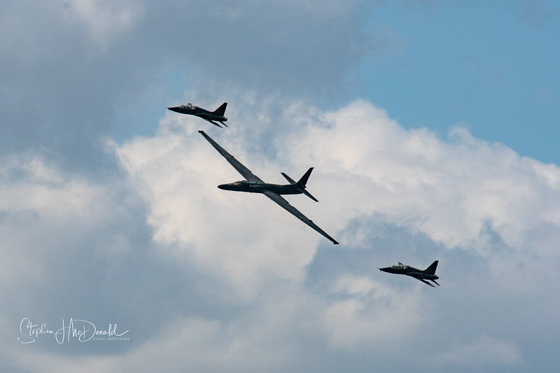 U2 Dragonlady escorted by two T38 trainer fighters
