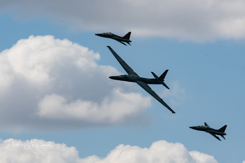 U2 Dragonlady escorted by to T38 trainer fighters