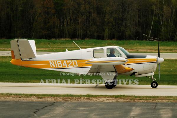N1842D - 1952 BEECH C35 Bonanza