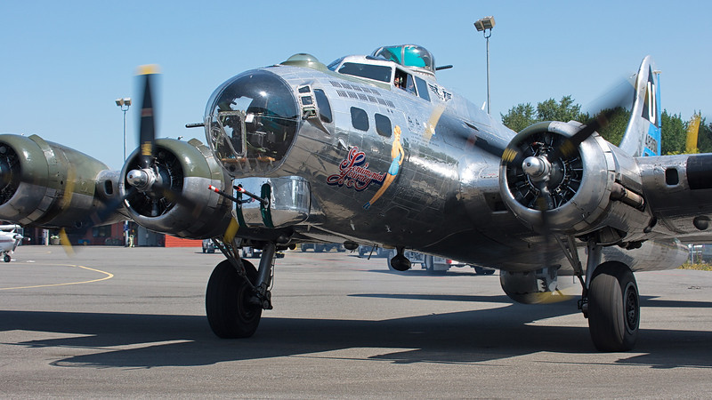 "B-17G ""Sentimental Journey"" from CAF Mesa, AZ"
