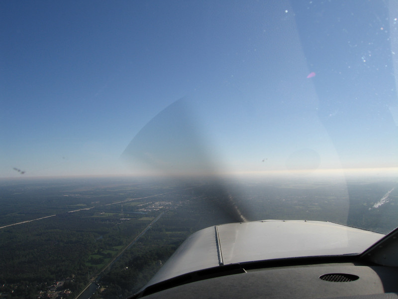 Sunny morning, cruising to the northeast for some airwork.