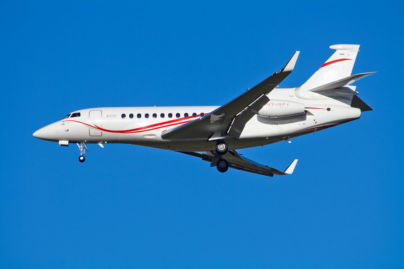 Dassault Falcon Jet Corporation Dassault Falcon 700 N748FJ