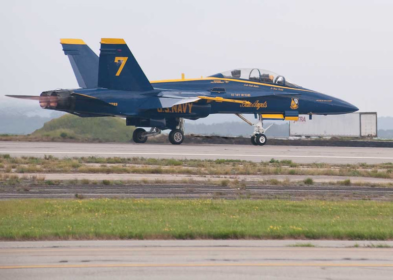 After A Mechanical Failure In Blue Angel #1, CAPT Greg McWherter Races Off In Blue Angel #7 To Rejoin His Team