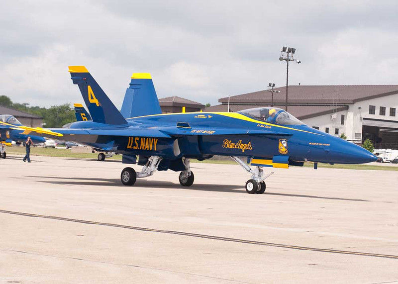 Lt David Tickle Completes Post Flight Paperwork After Checking Out Blue Angel #4 After Maintenance The Prior Night