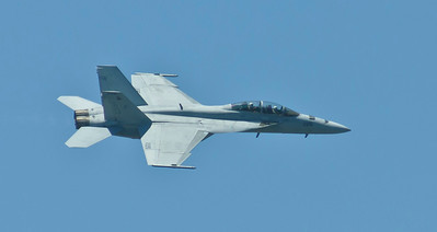 F/A-18 Superhornet #226 from VFA-106, Gladiators over the crowd line