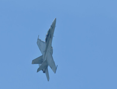 F/A-18 Superhornet from VFA-106, Gladiators executing a steep climb