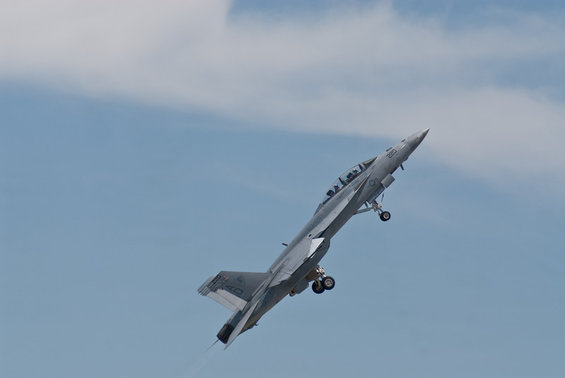 SuperHornet Taking off...