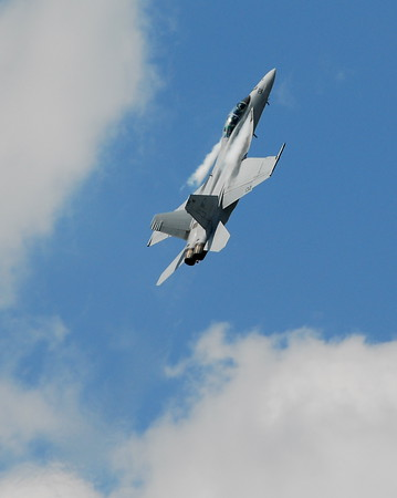 Boeing FA-18EF Super Hornet - Southern Wisconsin Air Fest - Janesville, Wisconsin - Photo Taken: May 29, 2010