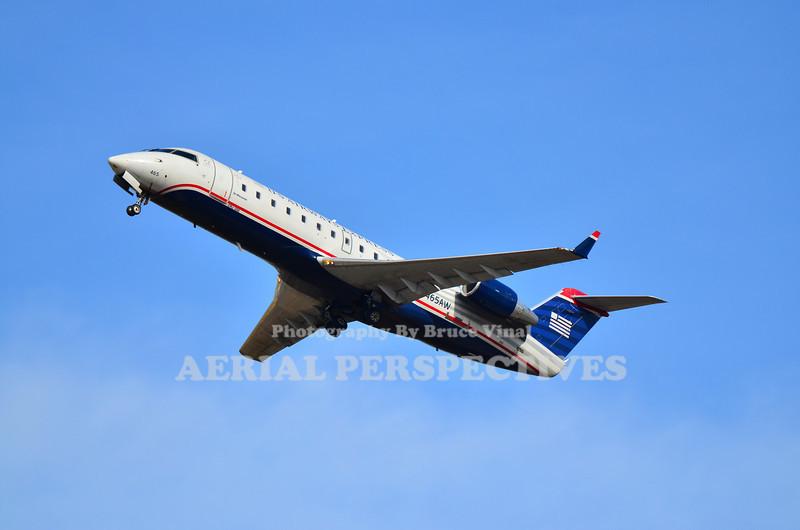 N465AW - 2004 Bombardier CL-600-2B19
