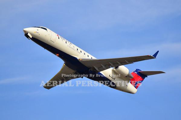 N8587E - 2001 Bombardier CL-600-2B19