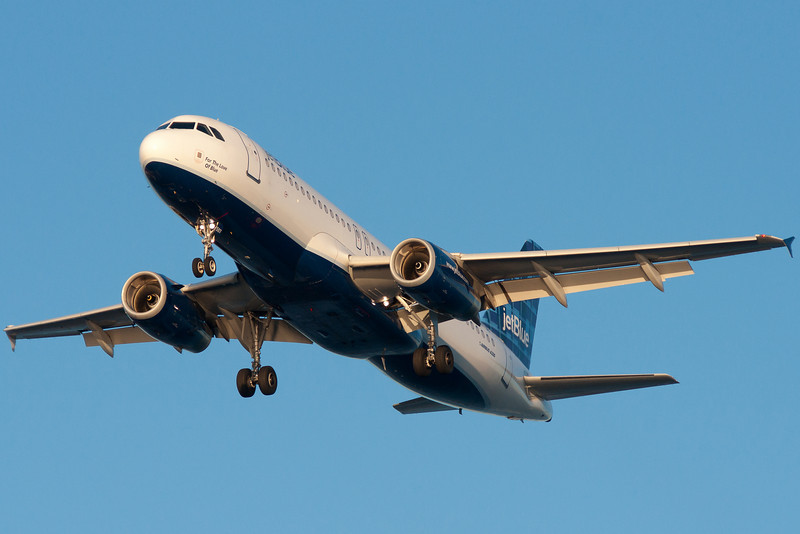 For The Love of Blue on final for runway 27.