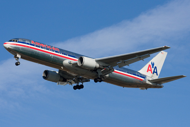 American's 767 from LAX on final to 22L.
