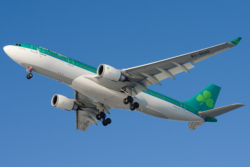 Aer Lingus' A330 on final to runway 27.