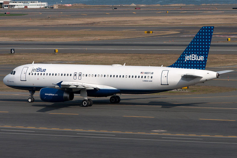 This JetBlue A320 is on its way to the gates.