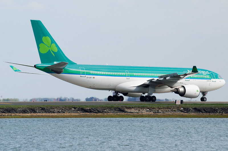 The Aer Lingus A330 turns on to November taxiway.