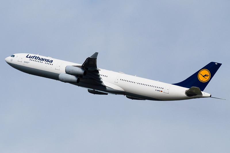 Lufthansa's A340 departing to Frankfurt.