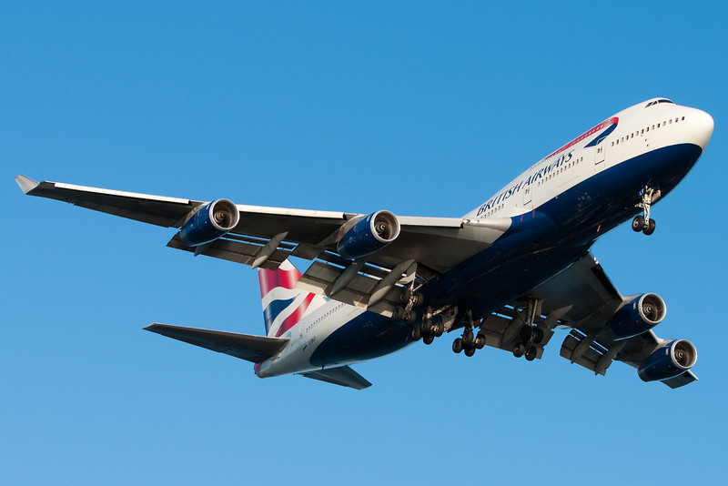 A British Airways 747 on final for runway 27.