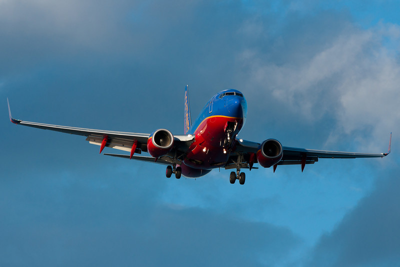 A Southwest 737 on final for runway 27.