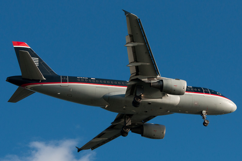A US Airways A319 on final for runway 27.