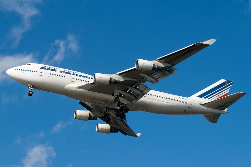 Air France's 747 from Charles de Gaulle on final to 27.