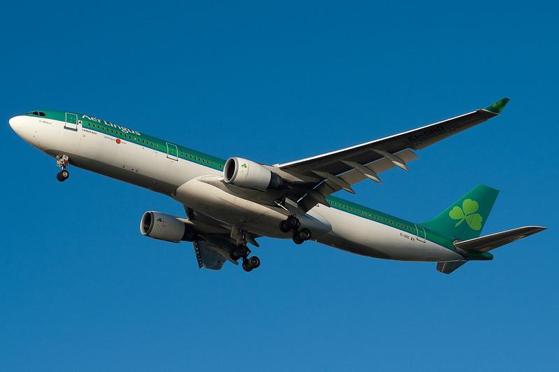 Aer Lingus has daily service to Dublin and Shannon (via Dublin).