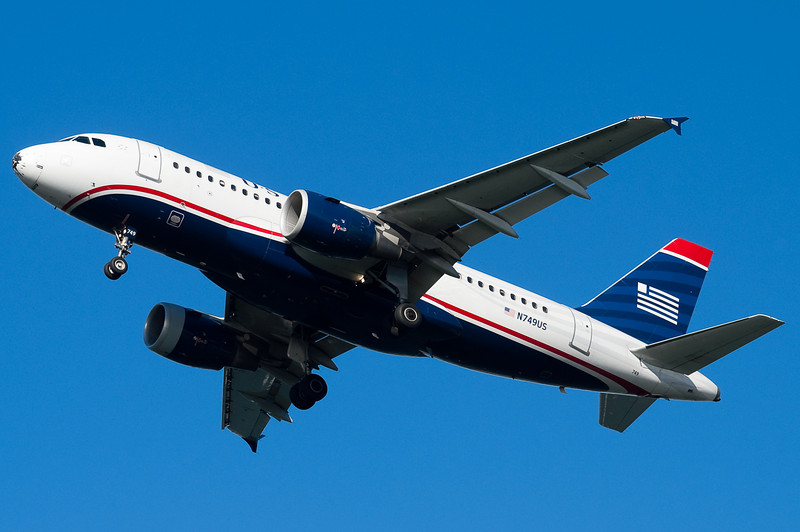 US Airways A319 on final for 27.