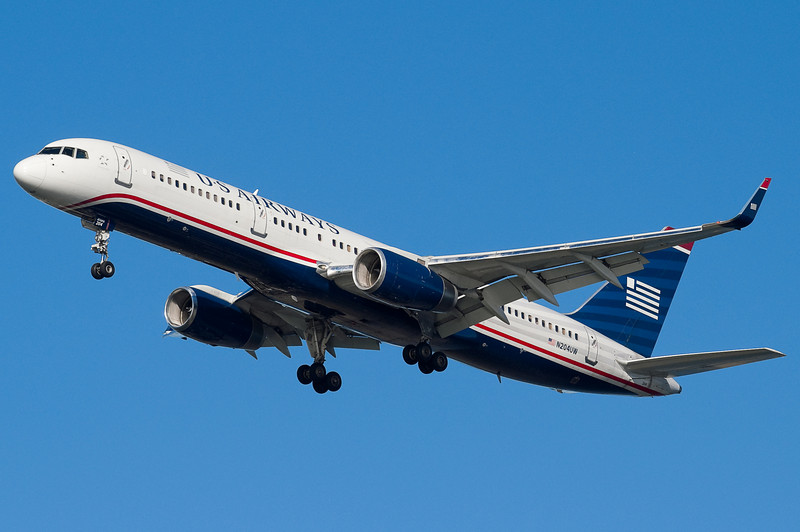 A US 757 with Winglets on final for 27.