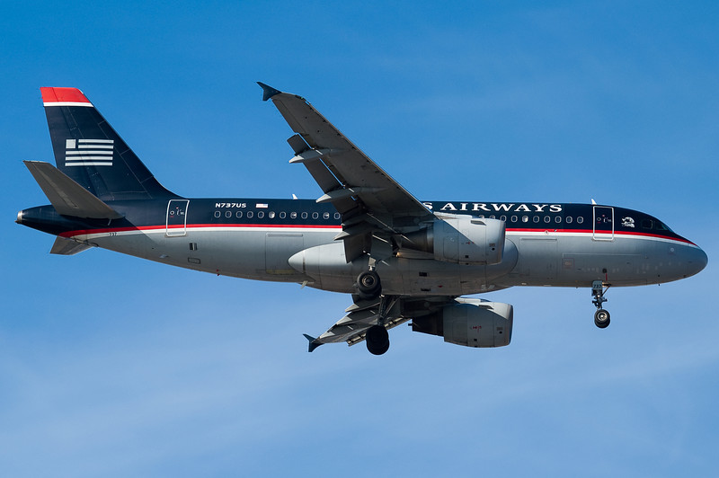 The US A319 is on final to BOS.