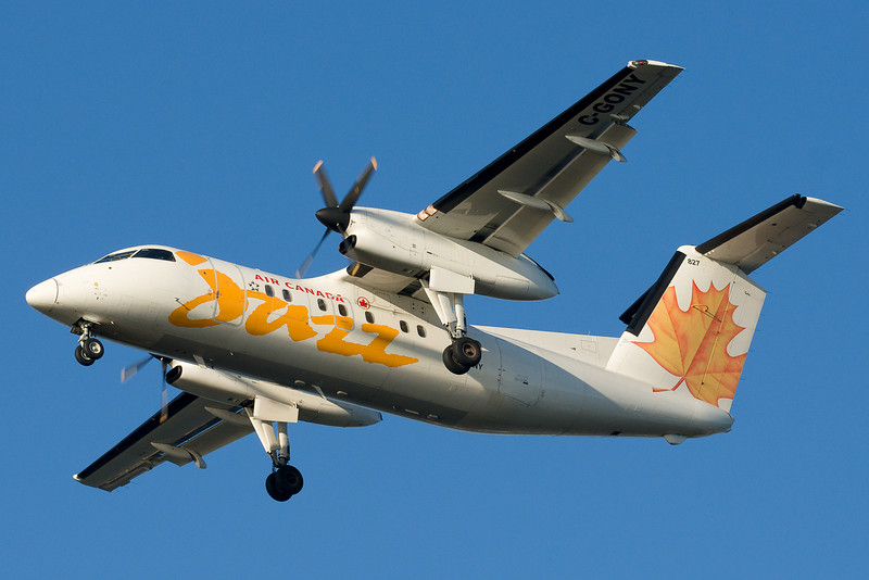 An Air Canada Jazz Dash-8 on final for 27.