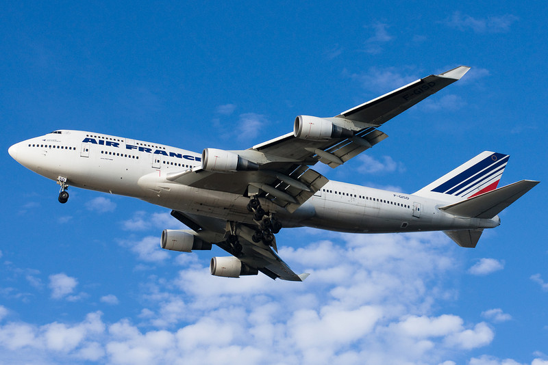 Air France's 747 is on final for 27.